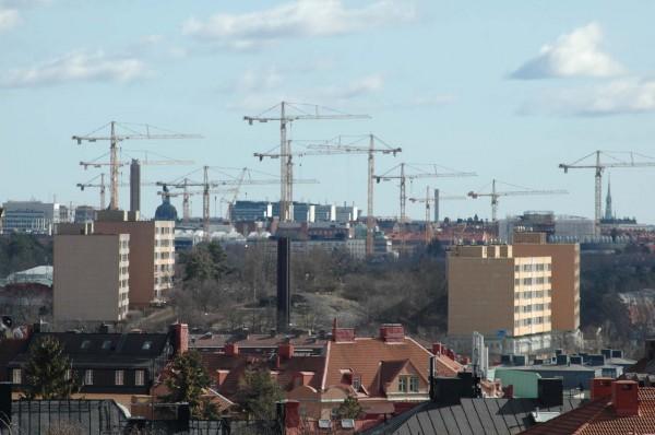 Byggkranar över nya Karolinska.