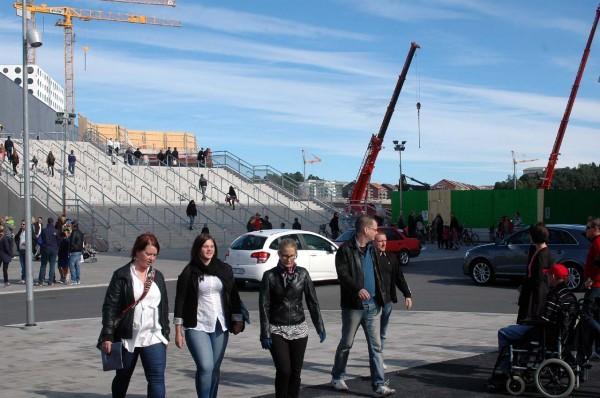 Besökare på Öppet Hus Friends Arena.